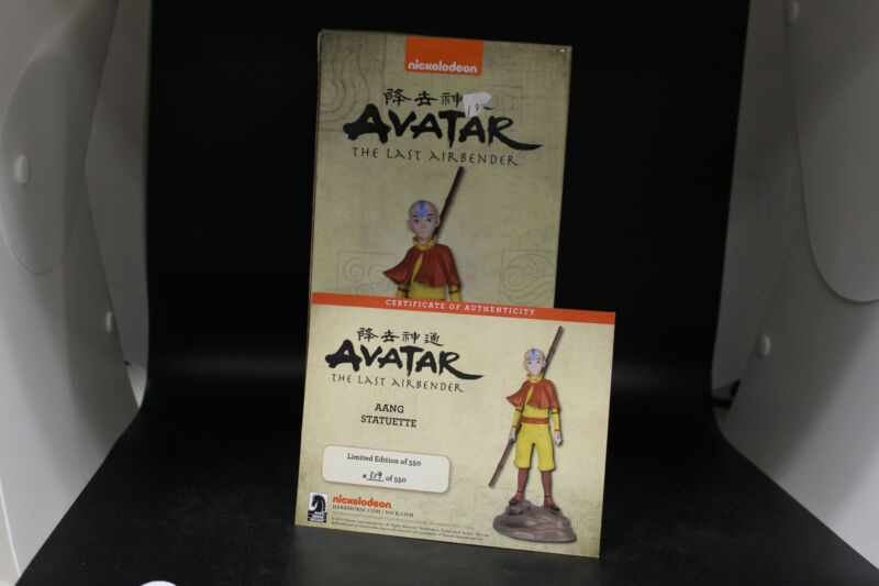 Dark Horse Deluxe Avatar The Last Airbender Aang Statue limited edition 319/550