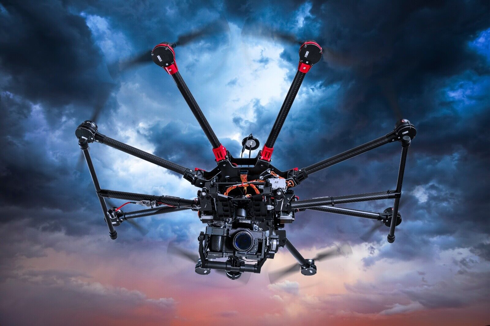 DJI S1000+ Profi Oktokopter-Drohne mit ZENMUSE Z15 GH4 Gimbal + A2-Controller