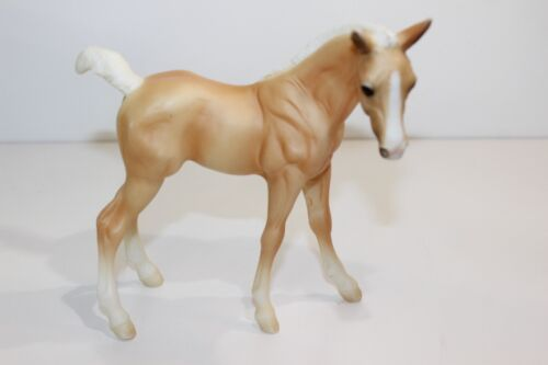 """Breyer Tan and White Horse 6"""" Tall Reeves Pony"""