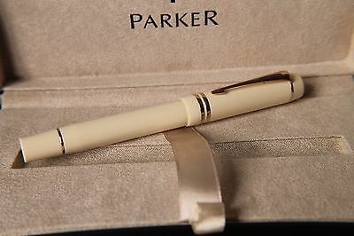 Parker Duofold Ivory Fountain Pen -Centennial version unused