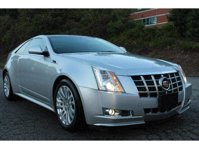 2013 cadillac cts performance model v6 only 35 000 miles one owner used cadillac cts for. Black Bedroom Furniture Sets. Home Design Ideas