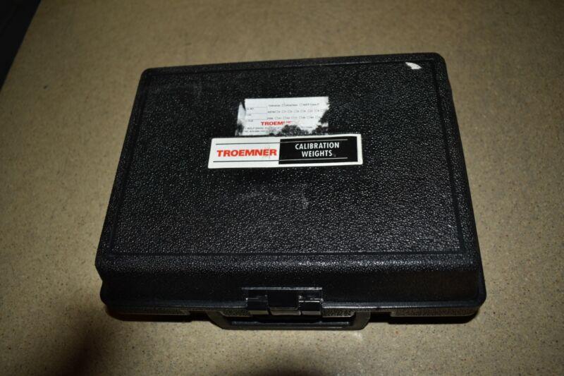 ^^ TROEMNER MODEL 8014 CALIBRATION WEIGHT 5KG W/ CASE (FK71)