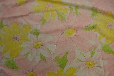 vtg BIG Print Daisy FULL FLAT Sheet Cannon Royal Family Floral 70s pink yellow