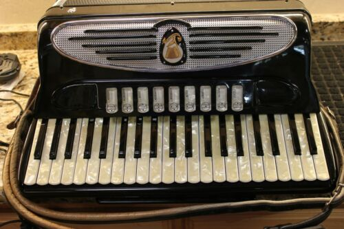Giulietti M.F. 94 Bass Accordion in Original Vintage Case Handcraft Italy(M1659)