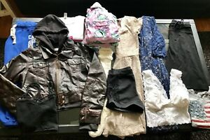 Teen/ladies size small/medium 14 piece clothing lot