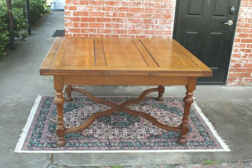 English Antique Oak William & Marry Style Dining Table