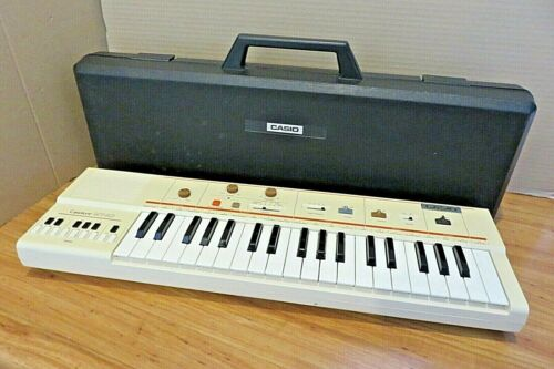 Casiotone MT-40 Portable Keyboard Synthesizer w Hard Case 80s TESTED & WORKING