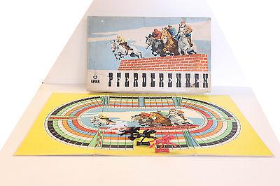 altes DDR-Spiel Pferderennen (SPIKA)