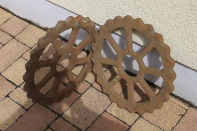 Altes Eisenrad  Zackenrad aus Gußeisen, Deko für Loft