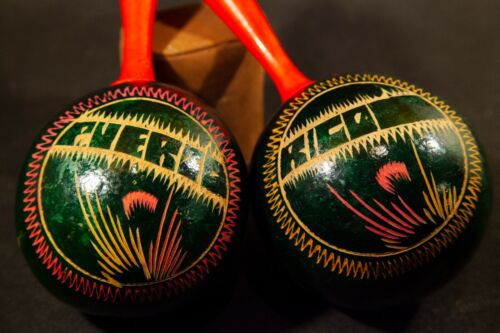 Vintage Puerto Rico Matching Maracas, Etched Organic Gord Musical Instruments