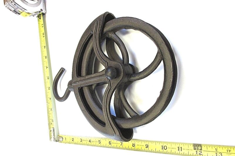 NEW  OLD STYLE  FARM    WELL  &  BARN   CAST IRON   ROPE WHEEL PULLEY