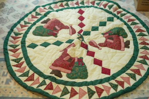 Vintage Hand Made Quilted Christmas Tree Skirt w Santa Clause Figures