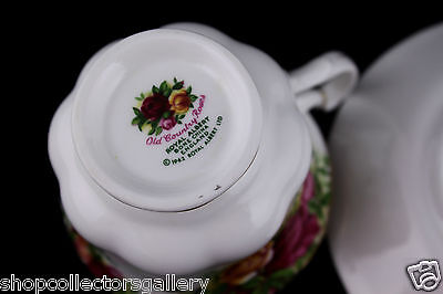 ROYAL ALBERT CHINA OLD COUNTRY ROSES TEA CUP & SAUCER SET MADE IN ENGLAND – MINT
