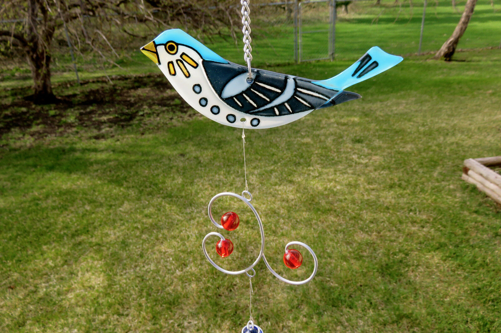 BLUE JAY WIND CHIME GARDEN DECOR YARD ORNAMENT NEW 19 IN. FUSION GLASS BALLS