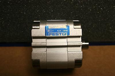 1 x Festo Kompaktzylinder; ADVU-32-5-P-A; 156530; Neu