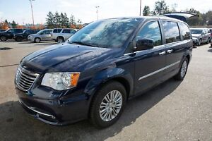 2015 Chrysler Town & Country Tourning-L- NAV, SUNROOF, LEATHER!