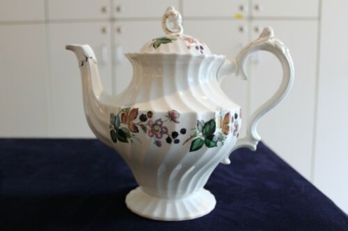 """Hedgerow by MYOTT STAFFORDSHIRE """"Olde Chelsea""""  TEAPOT WITH LID"""