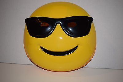 Sunglasses Emoticon Yellow Texting Emoji Face Adult Halloween Mask NEW](Halloween Emoji Text)