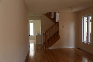 Detached house in Brampton for rent. 4B 3W 2G 2500 sqf 1year new