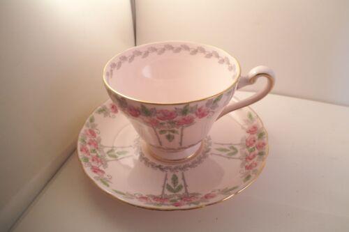 Vintage Tuscan Fine Bone China England Cup & Saucer Pink Roses