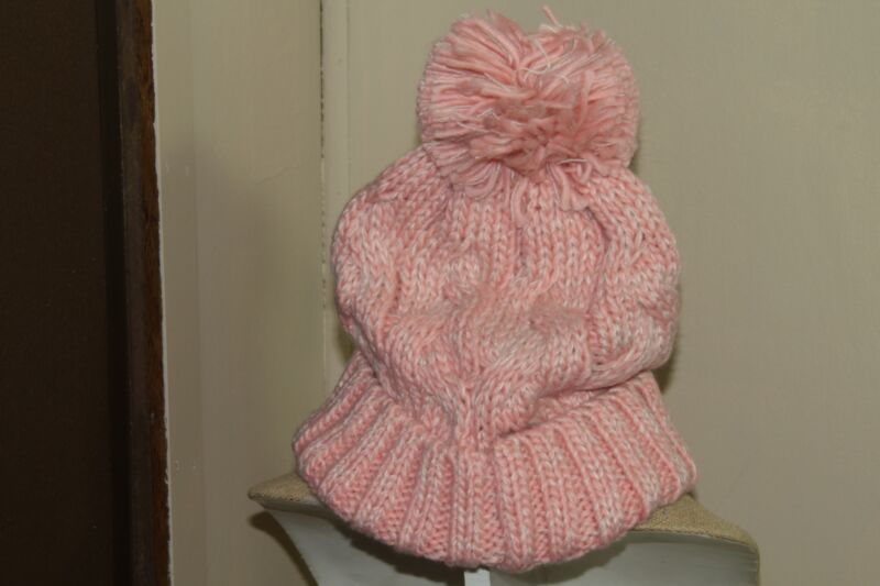 Kids Clothing (new) HAT, SWIRLY CABLE BEANIE - ONE SIZE - LIGHT PINK