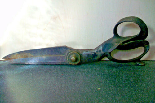 "LG 13"" J. WISS & SONS TAILOR"