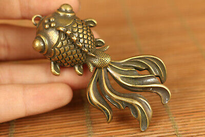 fortune Chinese old bronze hand caST gold fish statue netsuke collect pendant