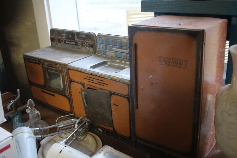 Vintage 1950s Wolverine Steel Toy Kitchen Set