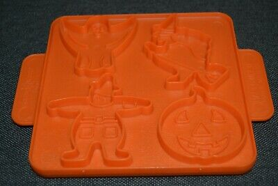 Vtg Nordic Ware Cookie Cutters 8 in 1 Reversible Halloween Witch Thanksgiving