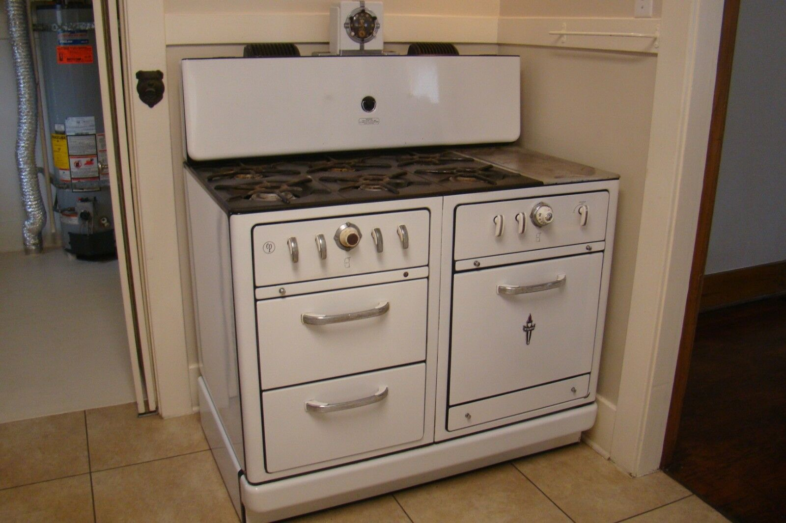 Photo ANTIQUE WEDGEWOOD STOVE RARE 6 BURNERS PLUS GRIDDLE IN REALLY GOOD CONDITION