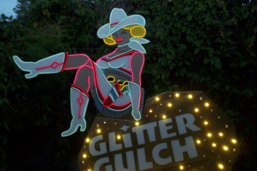 Glitter Gulch famous Vegas Vickie cowgirl LIGHTS UP!!