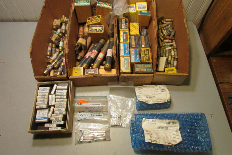 Massive Lot of Fuses. Various Small Sizes. 100
