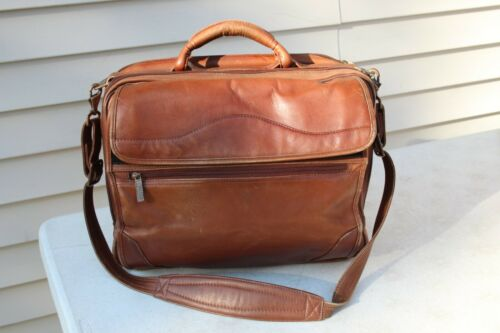VTG Avenue Americas Brown Leather Briefcase Attache Laptop Bag Brass fasteners