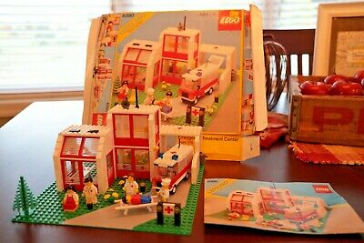 Lego 6380 Hospital Emergency Treatment Center With Box & Instructions