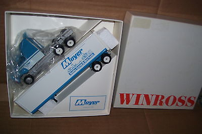 1993 Moyer & Son Quality Animal & Bird Food Winross Diecast Trailer Truck