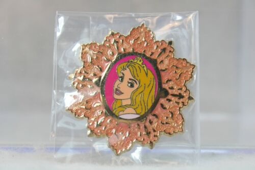A5 Disney Parks Pin Holiday Snowflake Mystery CHASER LE Aurora Sleeping Beauty