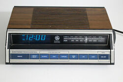 Vintage General Electric 1980s Clock Radio Alarm Electronic Touch Control Works