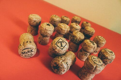 Premium Recycled Champagne Corks,- 100 Count.
