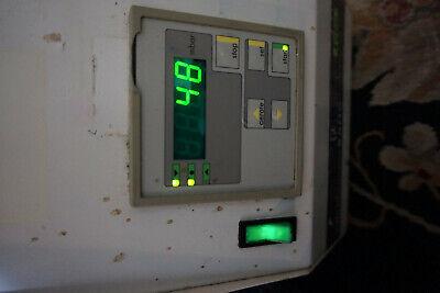 Buchi B-171 Vacobox Laboratory Rotary Evacuator Vacuum Pump With Controller
