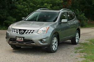 2012 Nissan Rogue SV AWD | Sunroof | Bluetooth