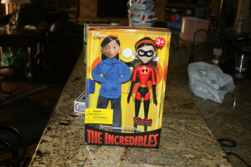 """The Incredibles Violet 11"""" action figure doll Disney Store Rare NIB"""