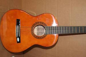 Valencia Classical Beginners 3/4 size Guitar TC13 Marleston West Torrens Area Preview