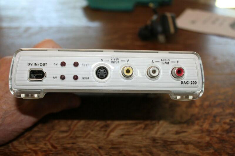 datavideo DAC-200 Digital Video Converter digital to analogue with ac adapter