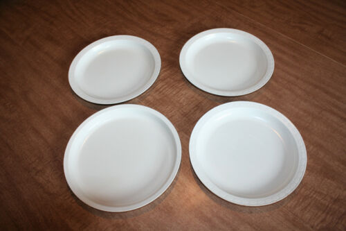 Lot of 4 Vintage Rimmed Reusable Microwave Plates Almond 3) Tyson See Pix!!