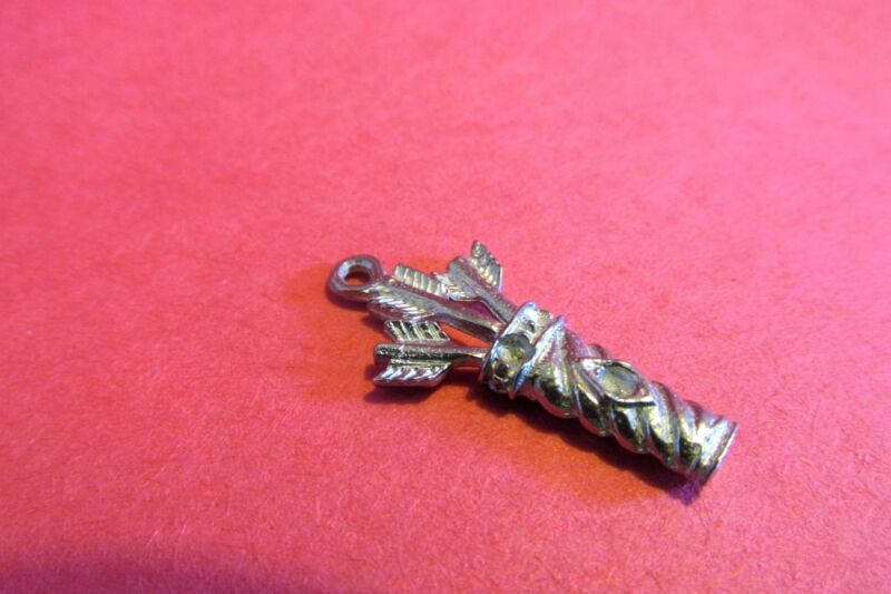 One Hundred  Pewter Bow And Arrow Quiver  Charms