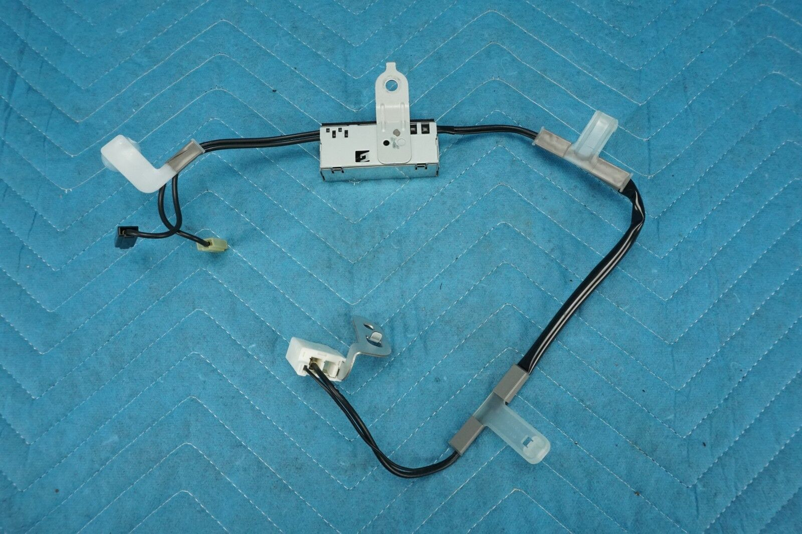 Used Toyota Highlander Antennas For Sale 02 Stereo Wiring 2002 2007 Amplifier Antenna Lh Driver Side 86300 48110 Oem