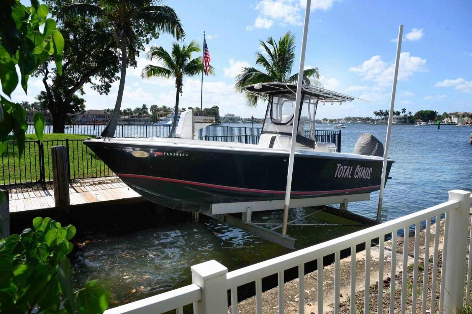 Tsunami 23 FT Center Console offshore or inshore fishing boat