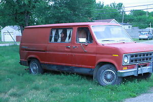 1978 Ford E-150 Minivan, Van with bed just in time for Craven