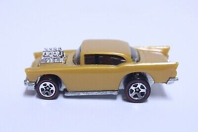 HOT WHEELS '57 CHEVY BEL AIR VERY NICE STUNT ACTION SET WITHOUT TAMPO