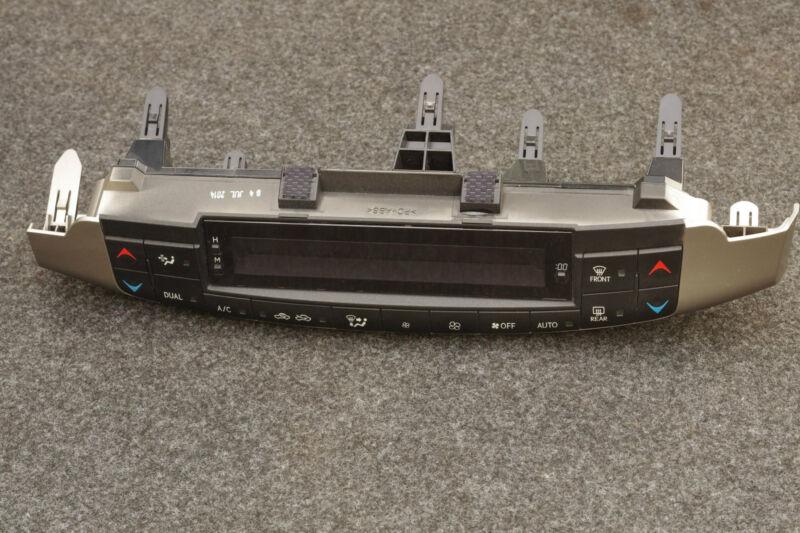 Lexus CT 200h Heater Control Unit 55900-76080 RHD